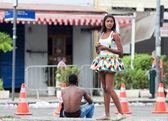 RIO DE JANEIRO - FEBRUARY 9: Young women in costume on free peo — Stock Photo