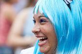 RIO DE JANEIRO - FEBRUARY 11: A girl in a wig having fun on the — Stock Photo