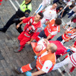 PAMPLONA, SPAIN - JULY 8: Providing first aid at San Fermin fest — Stock Photo