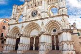 кафедральный собор в городе куэнка, провинция куэнка, кастилья ла-манча — Стоковое фото
