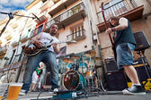 PAMPLONA, SPAIN - JULY 8: The musicians play on street during Sa — Stock Photo