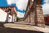 Acueducto romano en la ciudad de segovia, españa — Foto de Stock