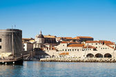 Tall boat anchored against Dubrovnik — Stock Photo