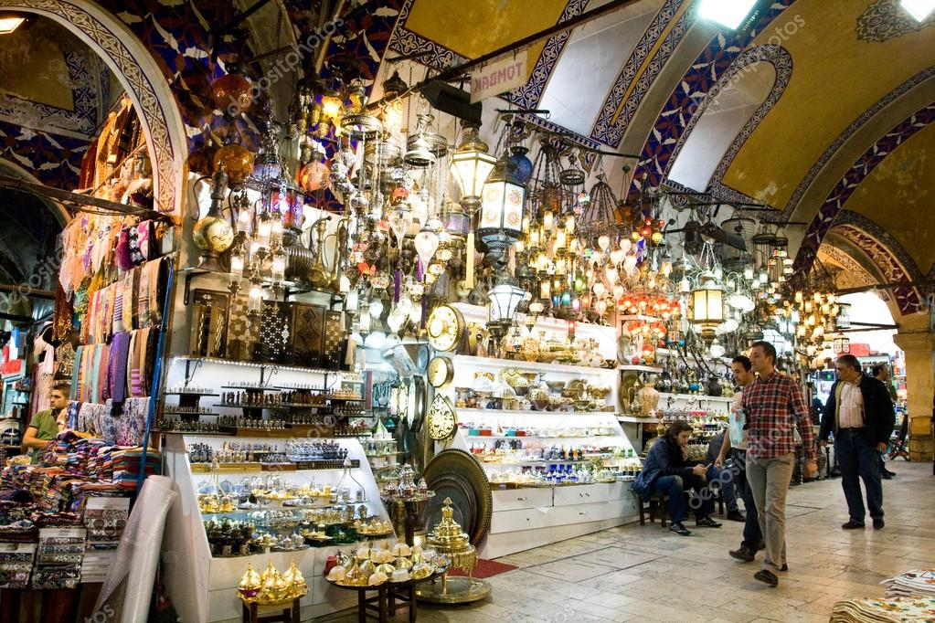 Istanbul le 22 novembre gens faire du shopping dans le for Bazar buenos aires