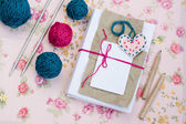 Old notebook for love notes and bright yarn balls — Stockfoto