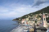 вне сезона вид сори, небольшой городок в лигурии, италия — Стоковое фото