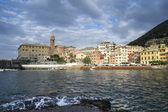 与小港附近热那亚,意大利的美丽小镇 — 图库照片