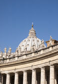 The dome of St. Peter's in Rome, Italy — Stock Photo