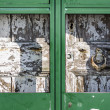 Antique massive wooden door — Stockfoto