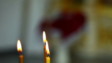 Candles in Christian orthodox church — Stock Video