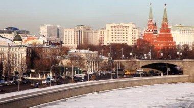 在冬季日落的克里姆林宫和宿舍大教堂 — 图库视频影像