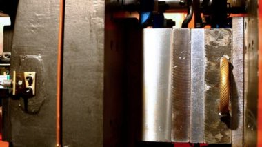 Plastic press molding machine work — Stock Video