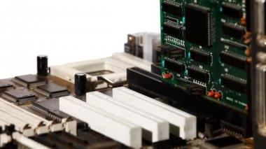 Computer hoofdboard met slot en uitbreiding kaart — Stockvideo