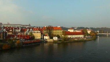Pan on advice river from karlov bridge, Prague, czech republic — Stock Video