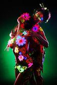 Mujeres desnudas posando en luz con maquillaje brillo uv — Foto de Stock
