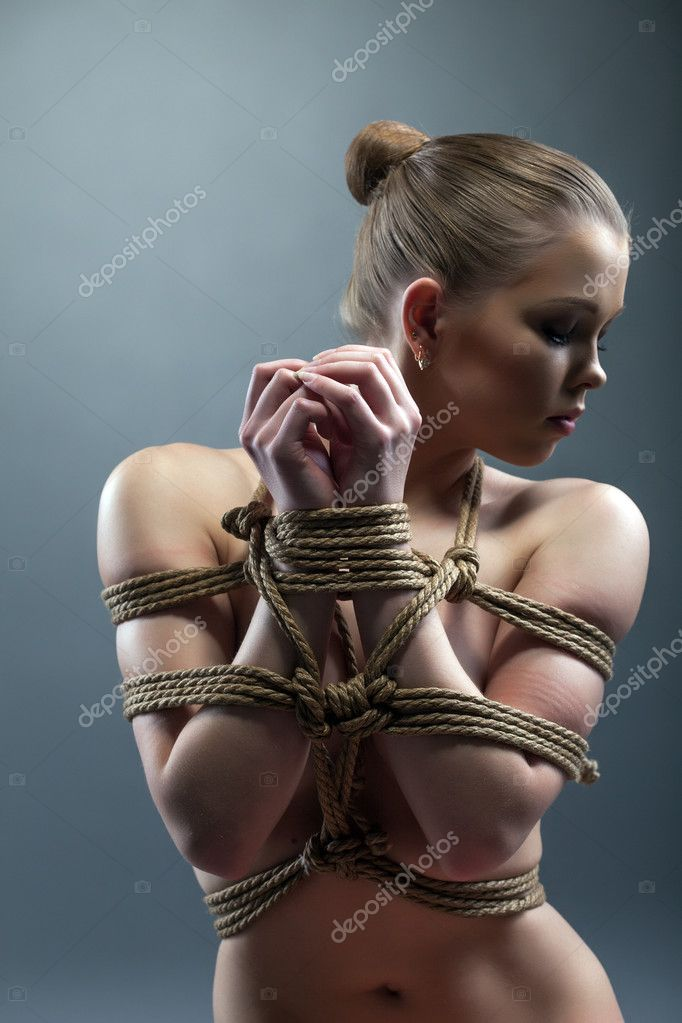 Связанные женщины веревкой фото 15 фотография
