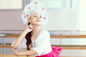 Pretty ballerina posing in Russian kokoshnik — Stock Photo