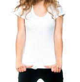 Menina bonita com a t-shirt em branco — Foto Stock