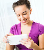 Beauty girl with tablet pc — Stock Photo