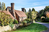 Old cottage with lovely chimneys, Milford Surrey, England — Stock Photo