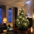 Christmas tree in modern living room — 图库照片
