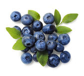 Natural picked blueberries isolated — Stock Photo