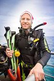Jovem usava equipamentos de mergulho — Fotografia Stock