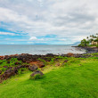 Maui. Hawaii. Tropical shore with resort buidling. — Stock Photo