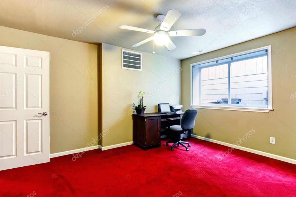 Quarto vermelho e verde oliva de escritório com secretária  ~ Quarto Verde Com Vermelho