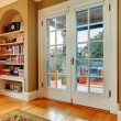 Classic entrance hall with wooden glass doors and built-in wall — Foto de Stock