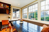 Old style dining room with wood dining table set and wicker chai — ストック写真