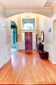Bright hallway with arch and high ceiling — Foto Stock