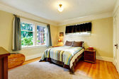 Refreshing furnished bedroom — Stockfoto