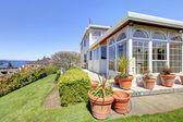 Große luxushaus mit schönen curb appeal — Stockfoto