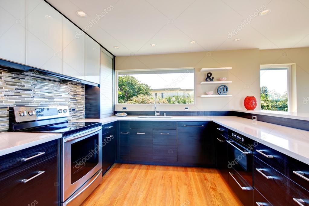 Ontwerp van de kamer van de moderne keuken — stockfoto © iriana88w ...