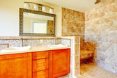 Elegant bright bathroom — Stock Photo