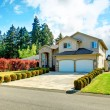 Beautiful curb appeal. Exterior design idea — Stock Photo #40715985