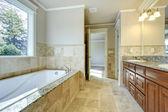 Parlak banyo penceresi — Stok fotoğraf