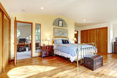 Antique style countryside bedroom — Stock Photo
