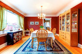 Elegante helle farbe esszimmer — Stockfoto