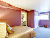 Contrast color bedroom, — Photo