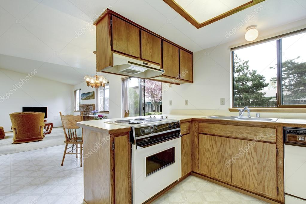 Simple kitchen room interior view of dining and living for Simple kitchen room images