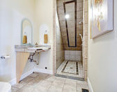 Bathroom with vaulted ceiling shower area — Stock Photo