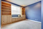 储物组合带长凳和枕头 — 图库照片