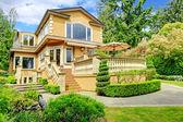 Luxury house exterior — Zdjęcie stockowe