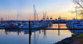 Puesta de sol vista del puerto y puerto deportivo. tacoma, wa — Foto de Stock
