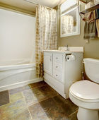 White and brown bathroom interior — 图库照片