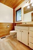Badkamer in blokhuis-huis — Stockfoto