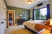 Elegant master bedroom interior — Stock Photo