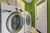Jasny zielony pranie wnętrza pokoju — Zdjęcie stockowe